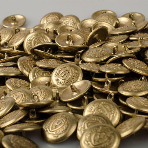 Guzik z herbem w koronie i z podkową kolor jasny złoty / miedź śr. 16 i 22 mm