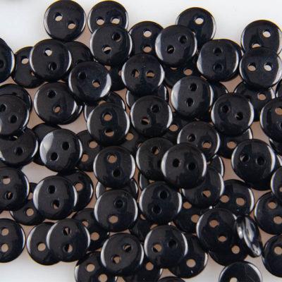 Guzik czarny, śr. 8.5 mm, 2 dziurki do przyszycia, uniwersalny