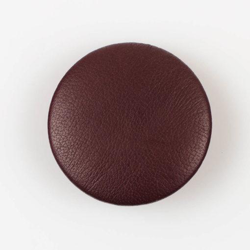 Guzik ciemno brązowy obciągany skórą cielęcą 44 mm