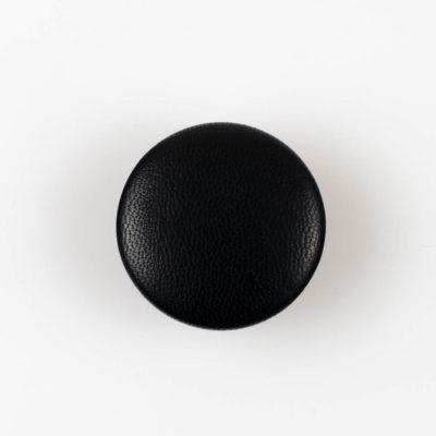 Guzik czarny obciągany skórą cielęcą 32 mm