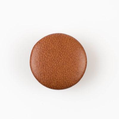 Guzik jasno brązowy obciągany skórą cielęcą 32 mm