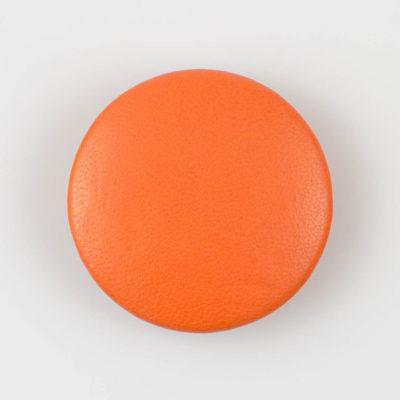 Guzik pomarańczowy obciągany skórą cielęcą 44 mm