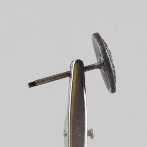 Polski guzik kolejowy z orłem wzór 1928 kolor stary mosiądz śr. 16 mm wąs