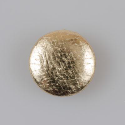 Guzik obciągany sztuczną skórą w kolorze złotym, śr. 25 mm (Defekt)