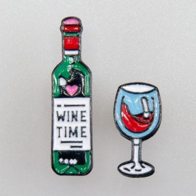 Wino i kieliszek, 2 znaczki na pin/ szpilkę, metal kolorowa emalia