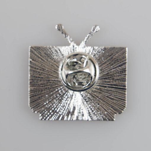 Odbiornik TV retro znaczek pin, metal kolor srebrny/ kolorowa emalia, roz. 27 x 28 mm