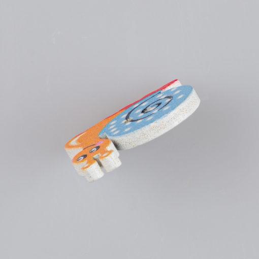 Guzik drewniany Pędzący Ślimak, rozmiar 22x23mm, 2 dziurki, różne kolory MIX